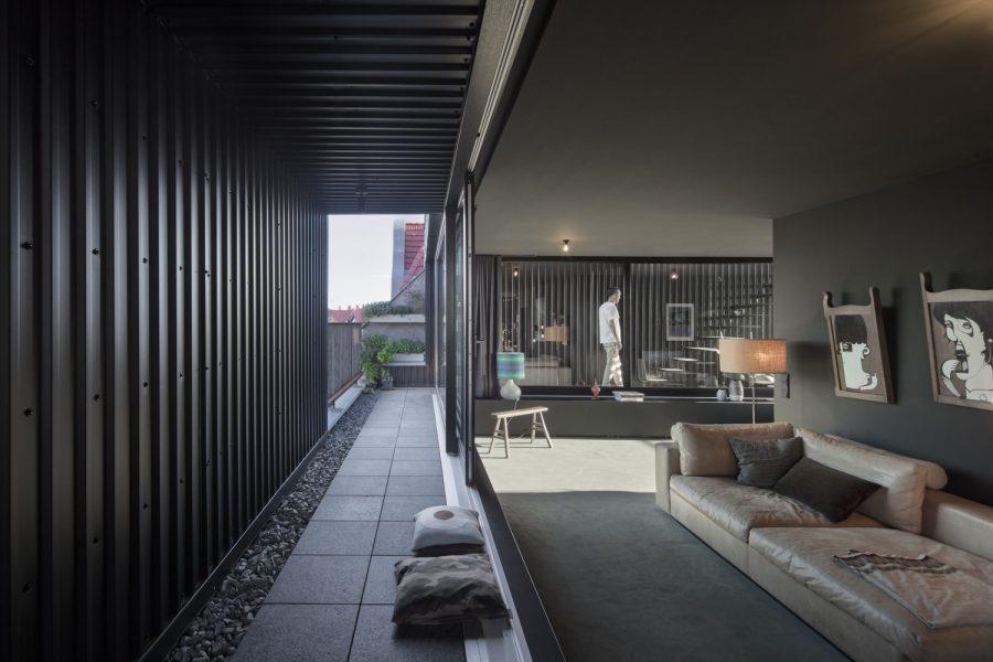 Floating Penthouse Berlin / Atelier Zafari