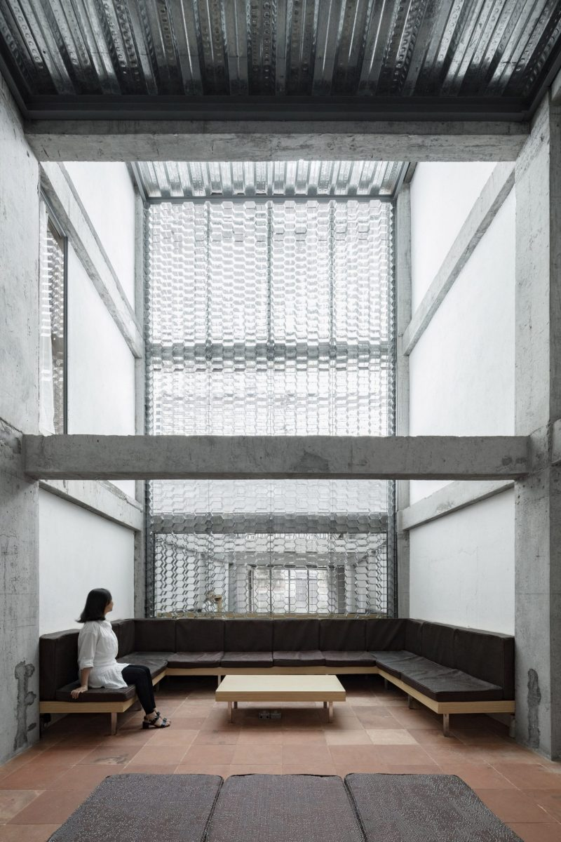origin-villa-hotel-far-and-near-kooo-architects-guangzhou-china_dezeen_2364_col_16-1704x2556