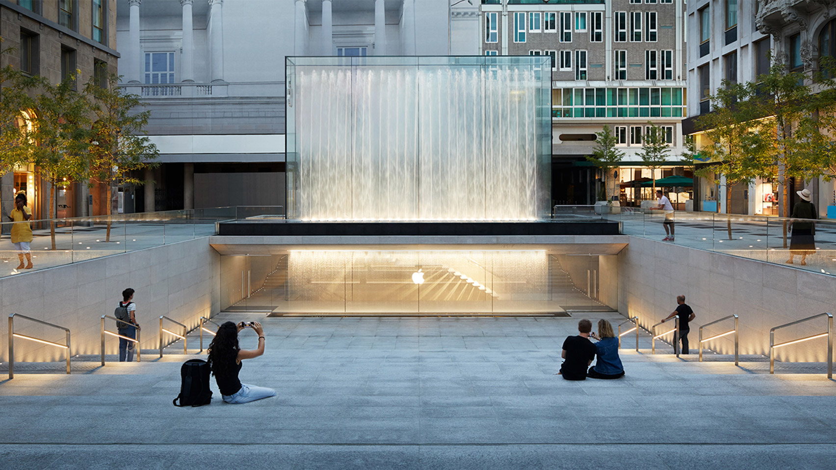 apple-store-foster-partners-milan-architecture-news_dezeen_1704_hero_a