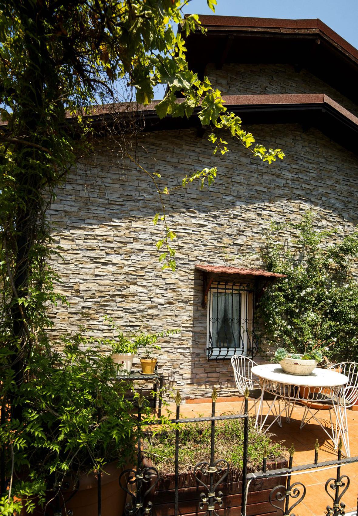 Pizarra Intenso, Ortaköy Villa