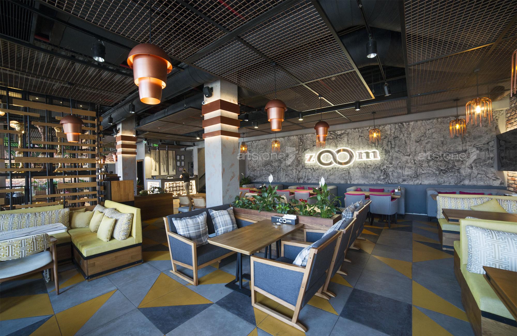 kaya-gorunumlu-duvar-paneli-cafe-dekorasyon
