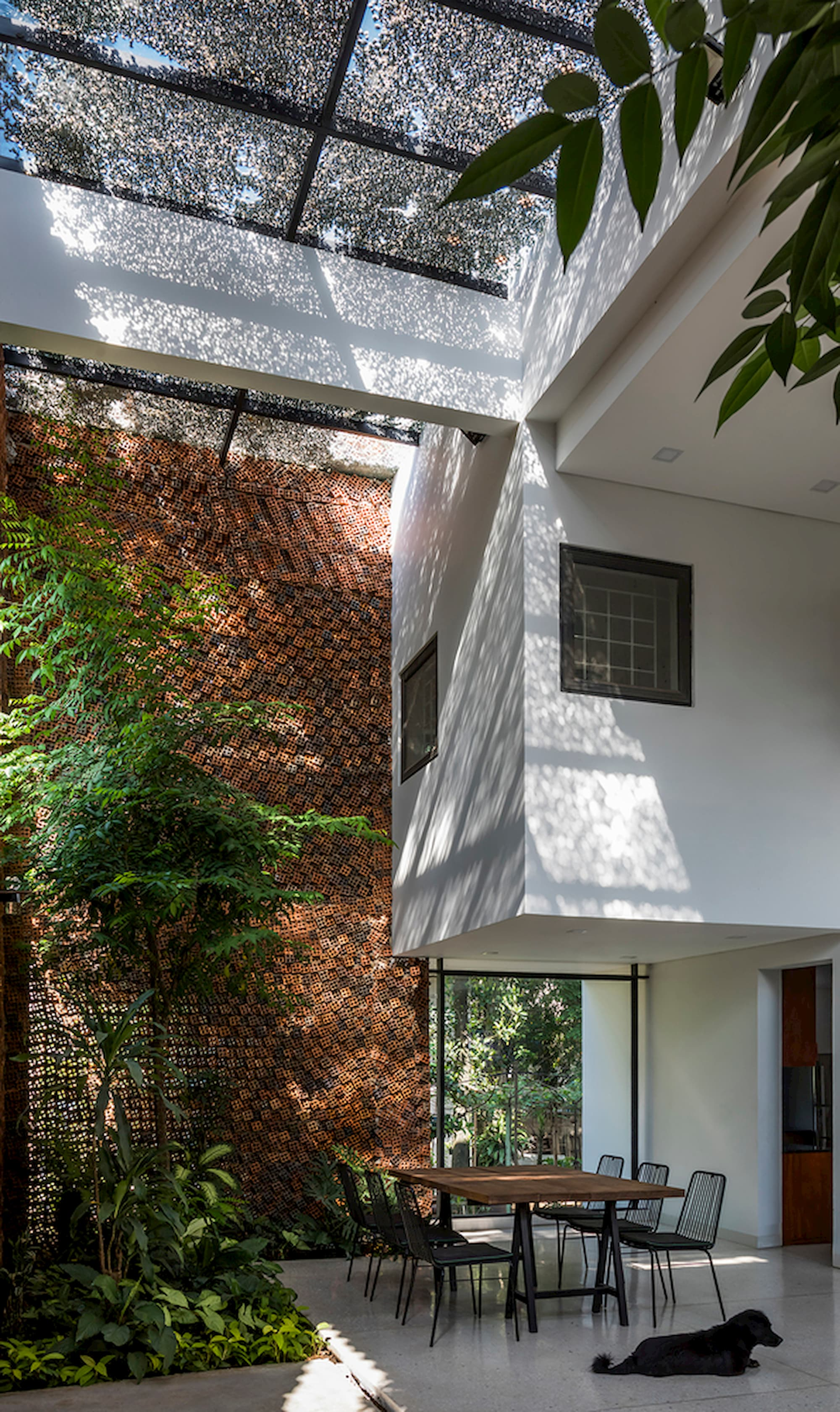 02-CTA-Wall-house-in-02
