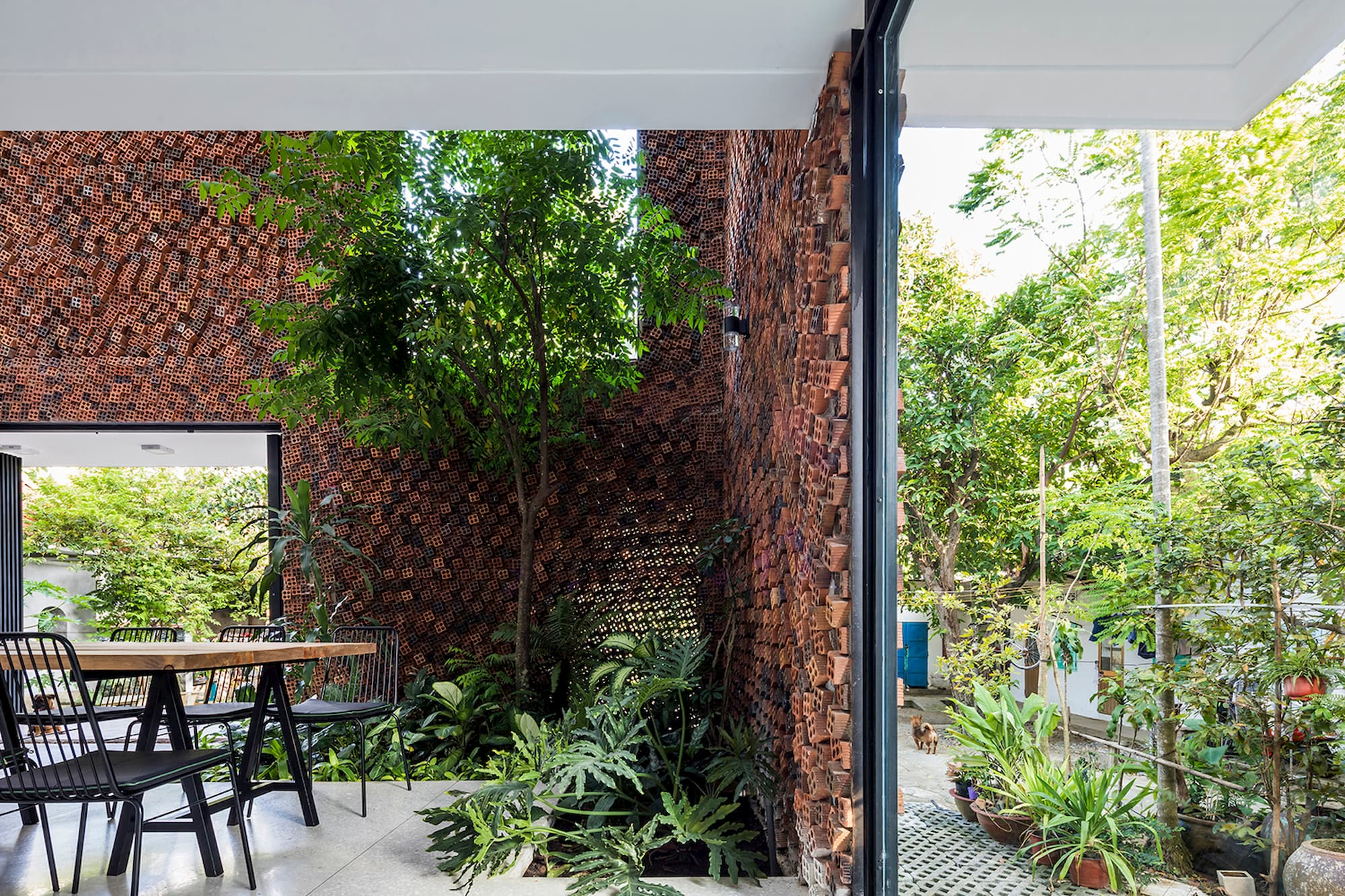 02-CTA-Wall-house-in-27